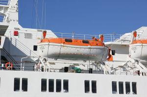800px-Kristina_Katarina_lifeboats_2