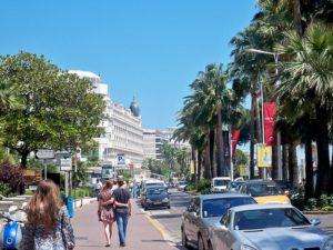 800px-Cannes_promenade