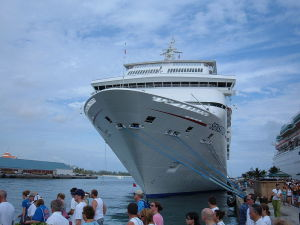 800px-Carnival_Sensation_docked_at_Nassau_2