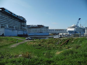 -Quantum_of_the_Seas-_and_-Anthem_of_the_Seas--sections_at_Meyer_Werft