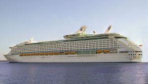 800px-Voyager_of_the_seas1