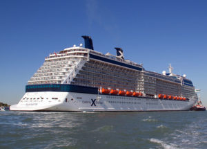 800px-celebrity_silhouette_ship_2011_001